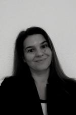 Sandrine Corbaz-Kurth est psychologue du travail aux Hôpitaux Universitaires de Genève et chercheuse à la He-Arc Santé. Elle est spécialisée dans la prévention de l'épuisement professionnel, l'analyse des ressources et des risques psychosociaux. Sa thèse porte sur la dynamique et les ingrédients de la confiance interculturelle chez les managers des multinationales. Membre de l'ASGT, elle souhaite aller à la rencontre des besoins des dirigeants en matière de santé au travail et construire avec eux des outils et des démarches qui tiennent comptent de leurs enjeux !